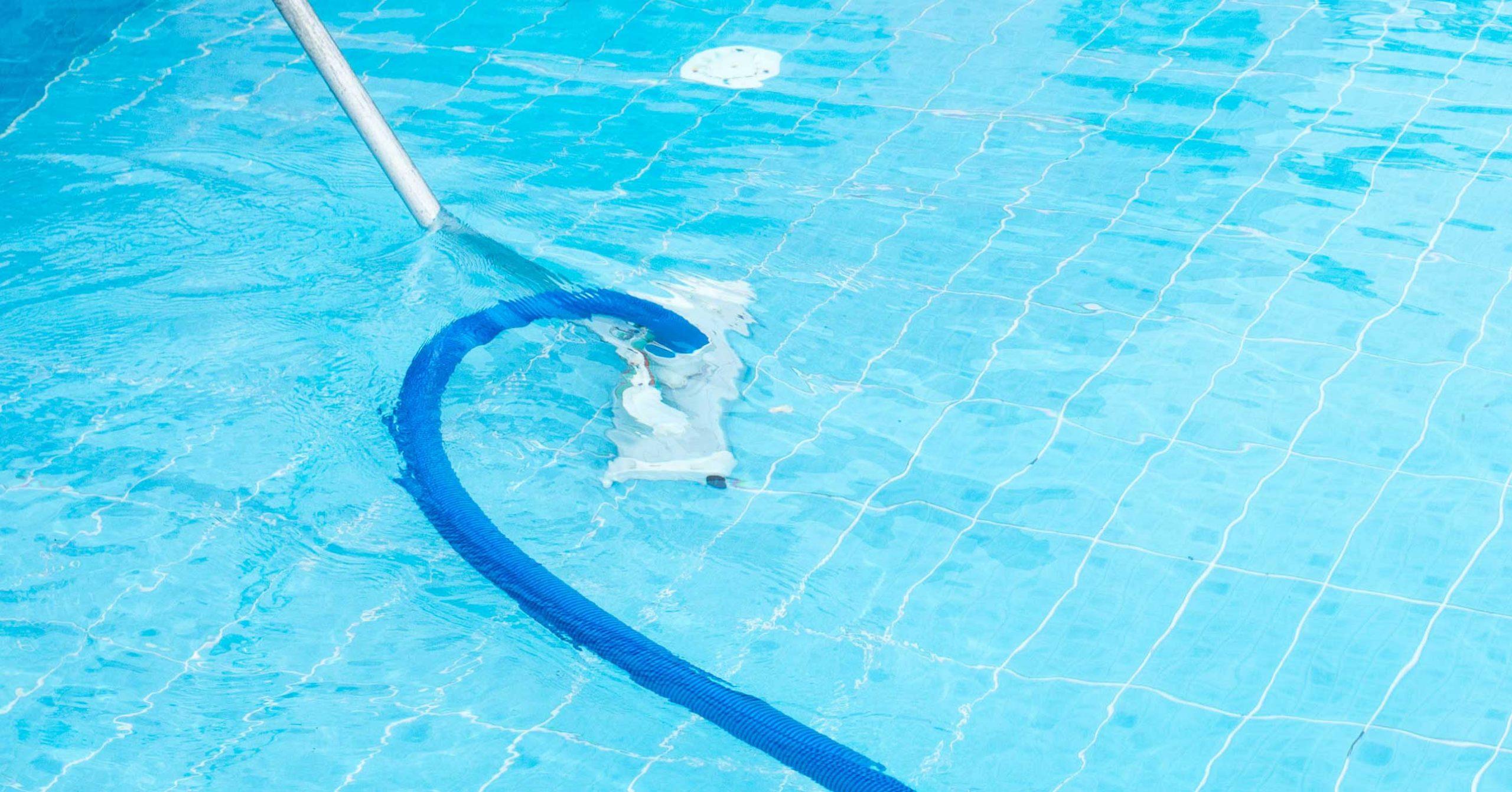 Accesorios imprescindibles para tu piscina