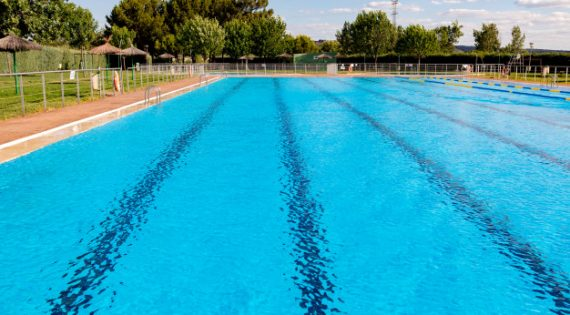 ¿Cuánto cloro necesita mi piscina?