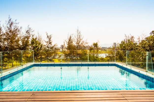 ¿Por qué es importante realizar un correcto mantenimiento de la piscina?